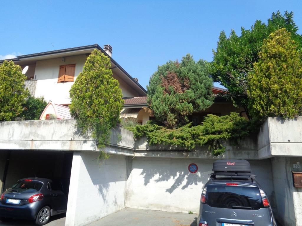 Foto 1 di Villa Regione Busseyaz 10, Aosta