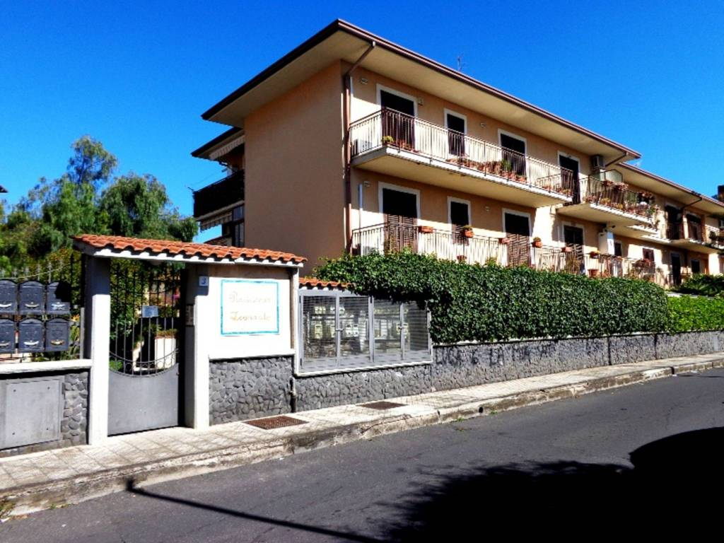 Appartamento quadrilocale in vendita a Tremestieri Etneo (CT)