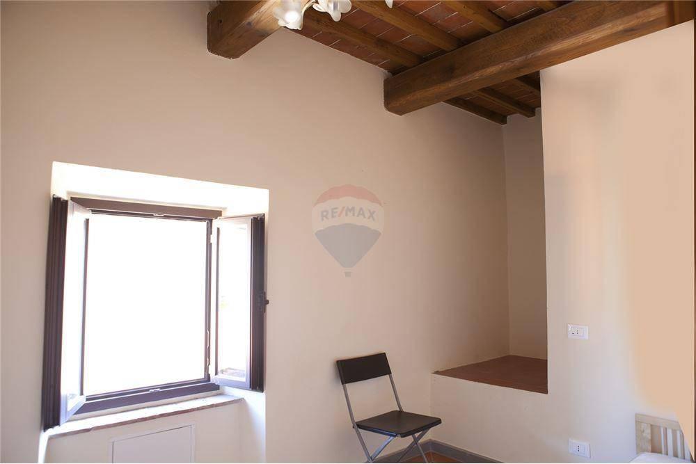 Appartamento in buone condizioni in affitto Rif. 8532600