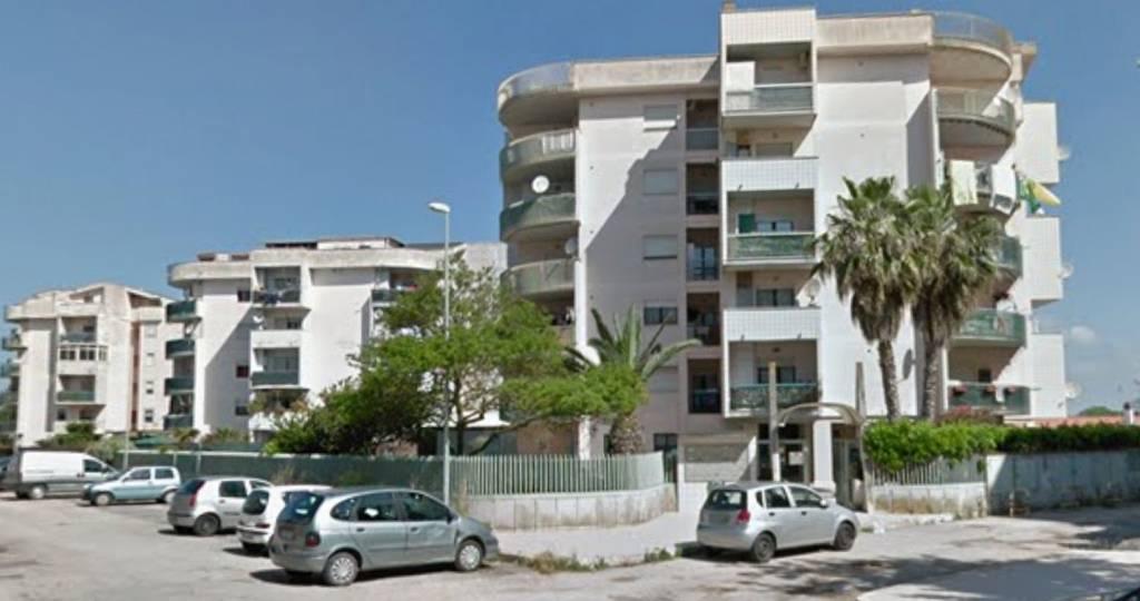 Appartamento in ottime condizioni arredato in affitto Rif. 8519010