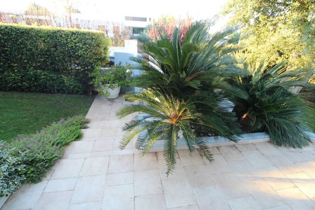 Villa in ottime condizioni in vendita Rif. 8533633