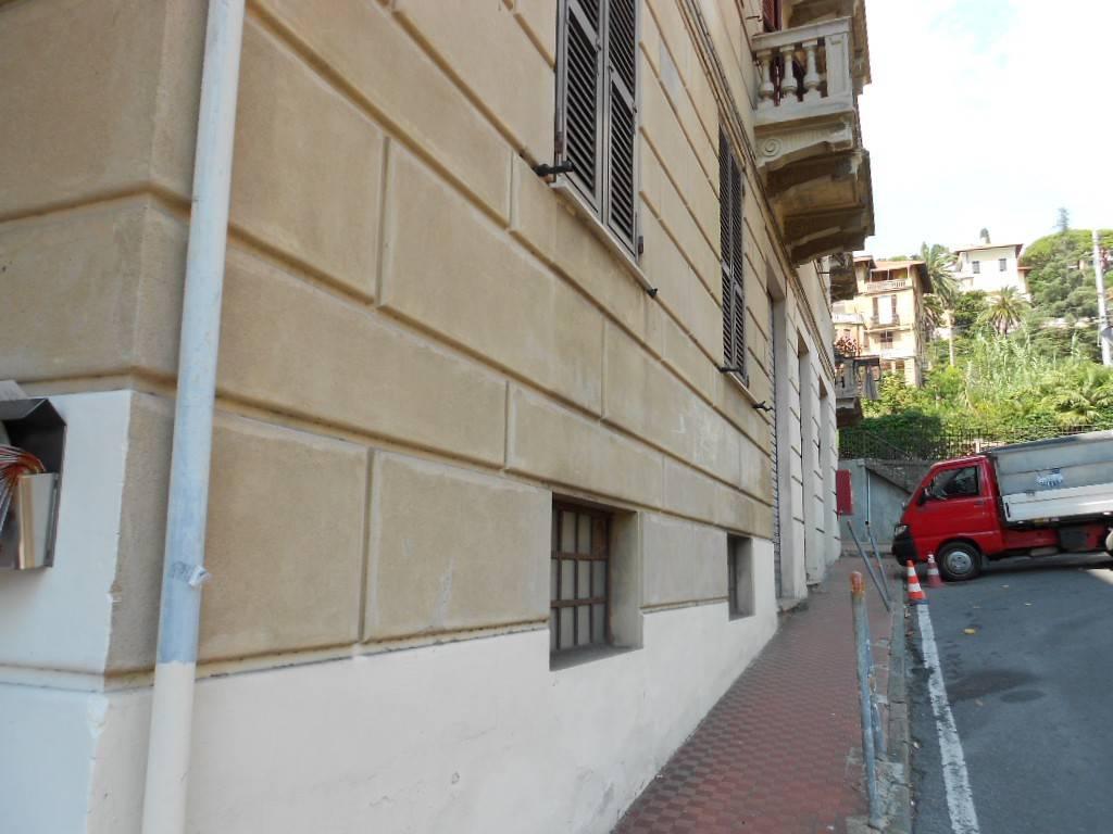 Appartamento in buone condizioni in vendita Rif. 8533377