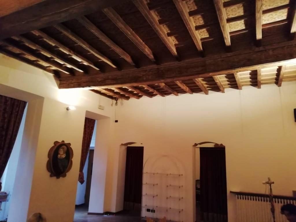 Appartamento in ottime condizioni in affitto Rif. 8538459