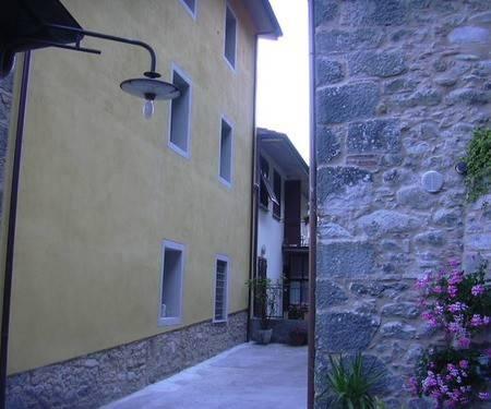 Appartamento in buone condizioni in affitto Rif. 8538858