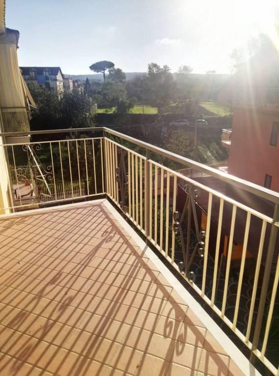 Appartamento in buone condizioni in affitto Rif. 8538266