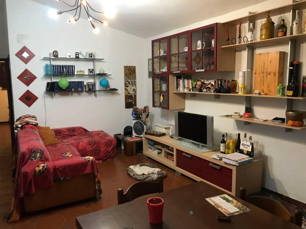 Appartamento in buone condizioni parzialmente arredato in vendita Rif. 8551250