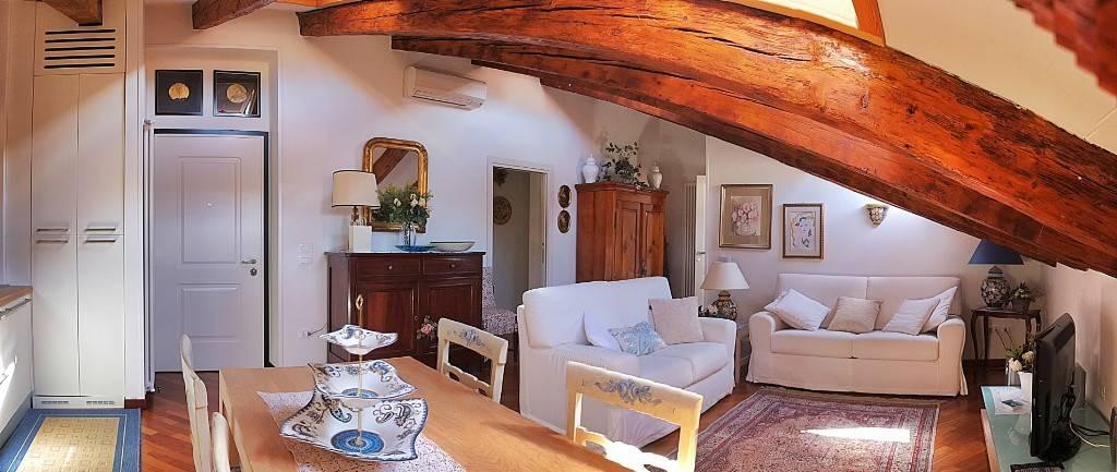 Attico / Mansarda in affitto a Trieste, 4 locali, prezzo € 1.000 | CambioCasa.it