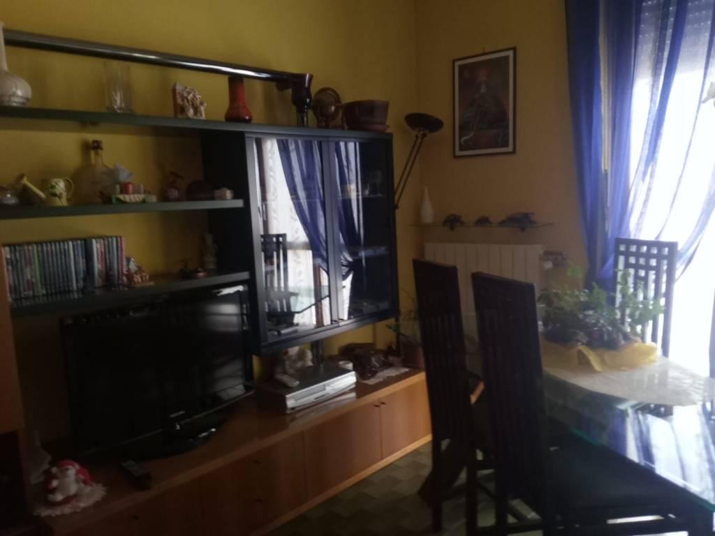 Appartamento in buone condizioni in vendita Rif. 8552348