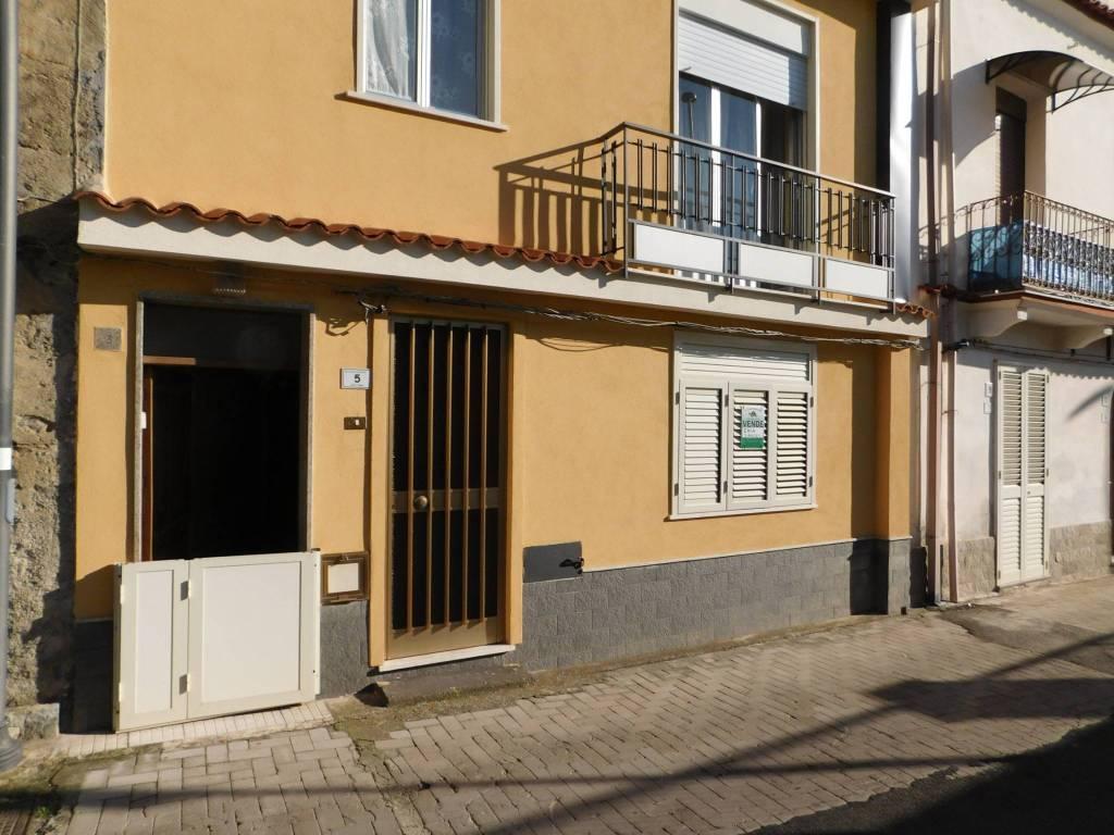 Appartamento da ristrutturare in vendita Rif. 8547092