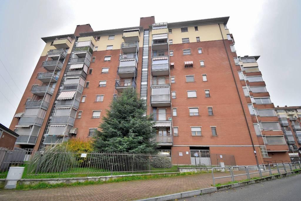 Appartamento in buone condizioni in vendita Rif. 8914700