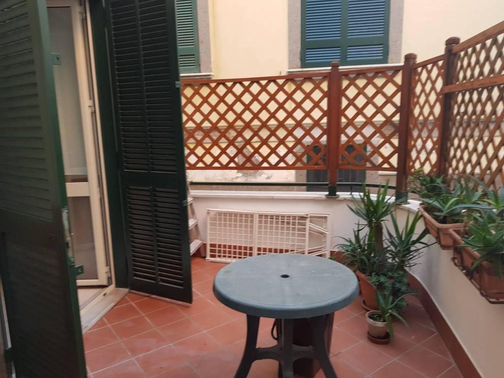 Appartamento in buone condizioni parzialmente arredato in affitto Rif. 8548485