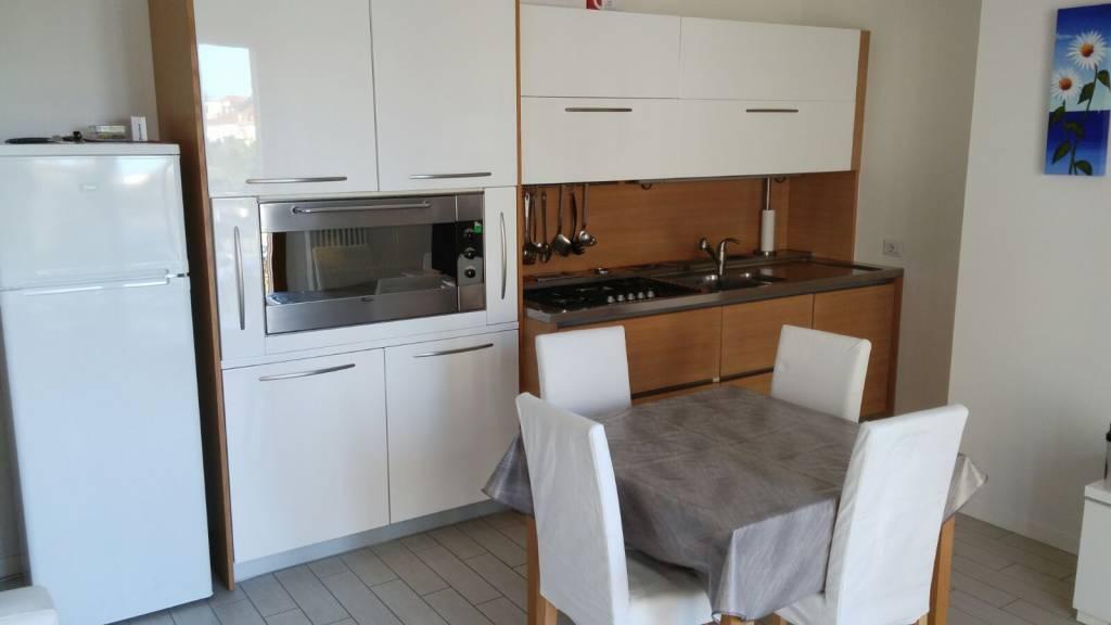 Appartamento trilocale in affitto a Riccione (RN)