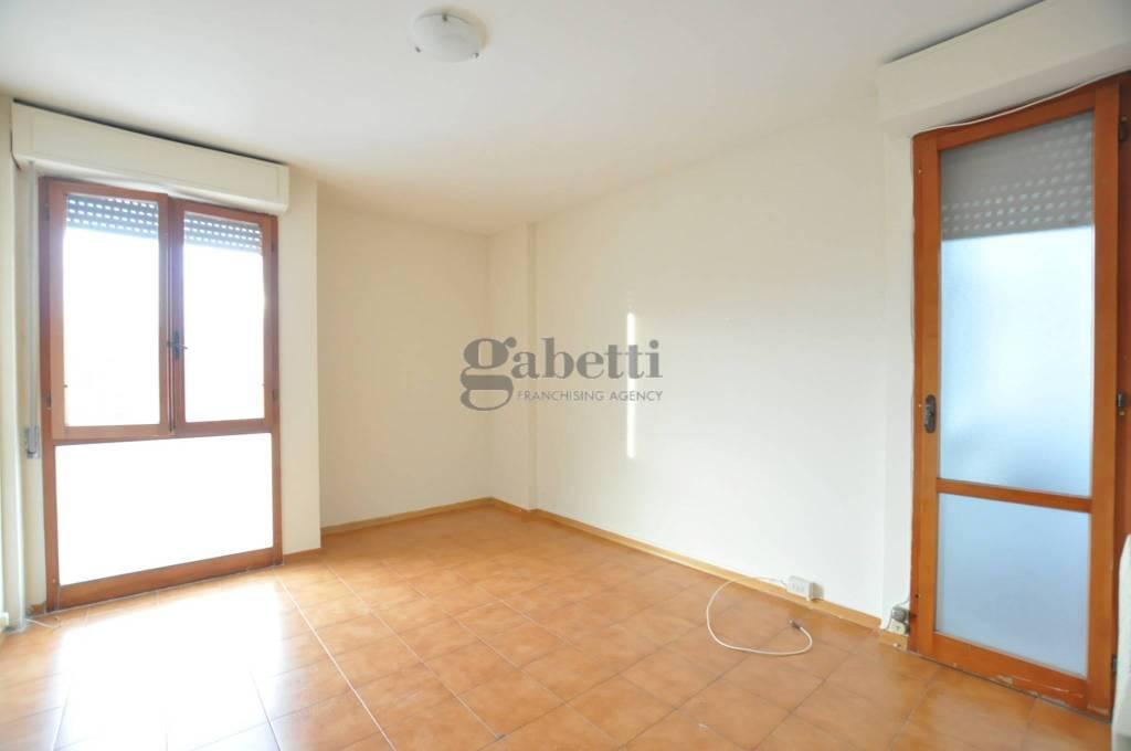 Appartamento in buone condizioni parzialmente arredato in vendita Rif. 8547500