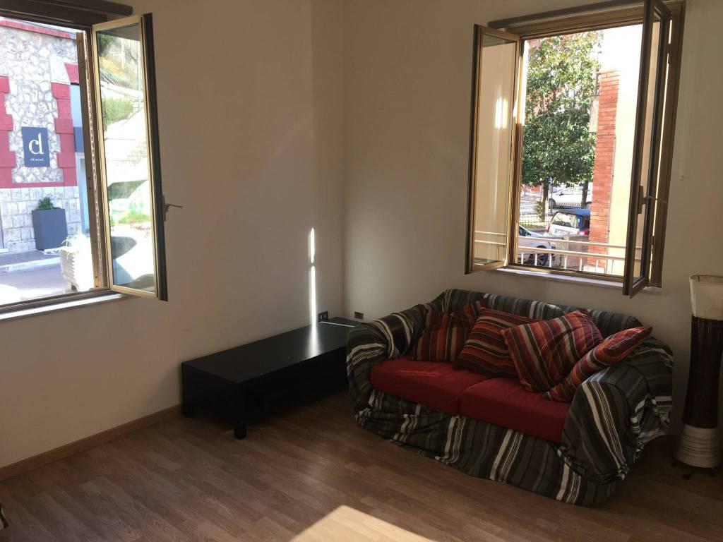 Appartamento in ottime condizioni arredato in affitto Rif. 8547209