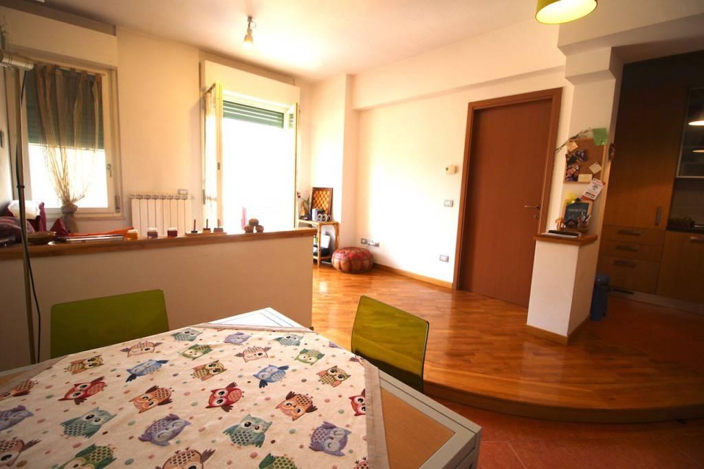 Appartamento in ottime condizioni in vendita Rif. 8482040