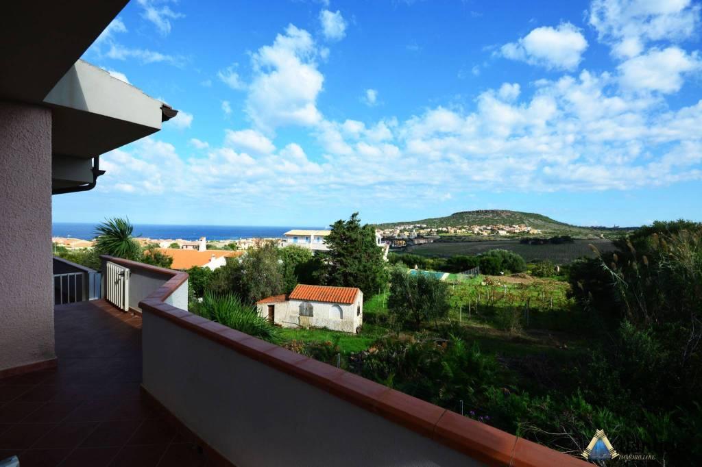 Appartamento in ottime condizioni arredato in vendita Rif. 8550436
