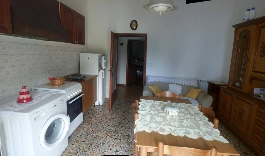 Appartamento parzialmente arredato in vendita Rif. 8551117