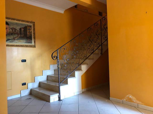 Appartamento in ottime condizioni parzialmente arredato in affitto Rif. 8552079