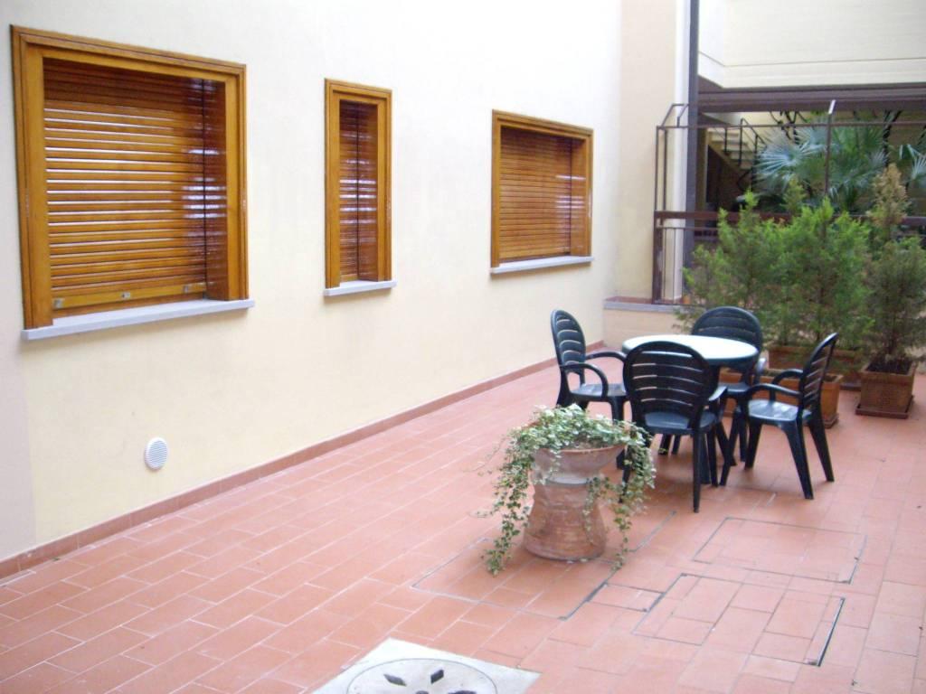 Appartamento in buone condizioni arredato in affitto Rif. 8548334