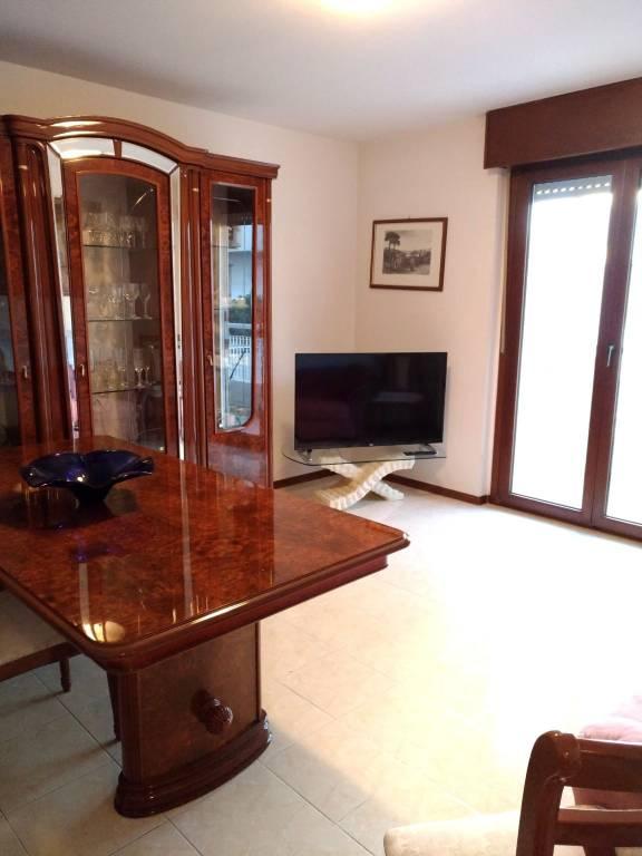 Appartamento in buone condizioni parzialmente arredato in vendita Rif. 8551541