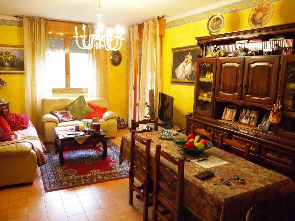 Appartamento di 100 mq con 2 camere in centro