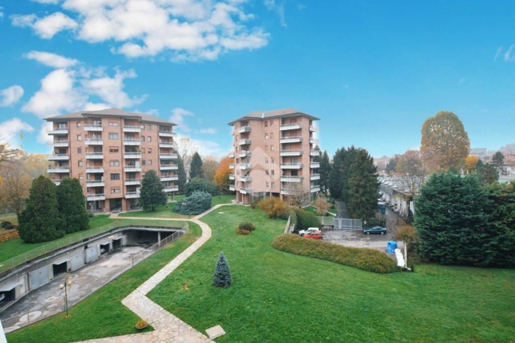 Appartamento in buone condizioni parzialmente arredato in vendita Rif. 9348018