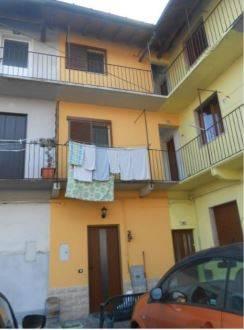 Appartamento in buone condizioni in vendita Rif. 8641012