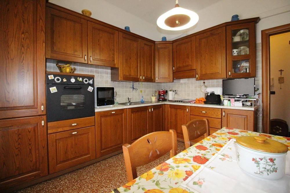 Appartamento trilocale in vendita a Genova (GE)