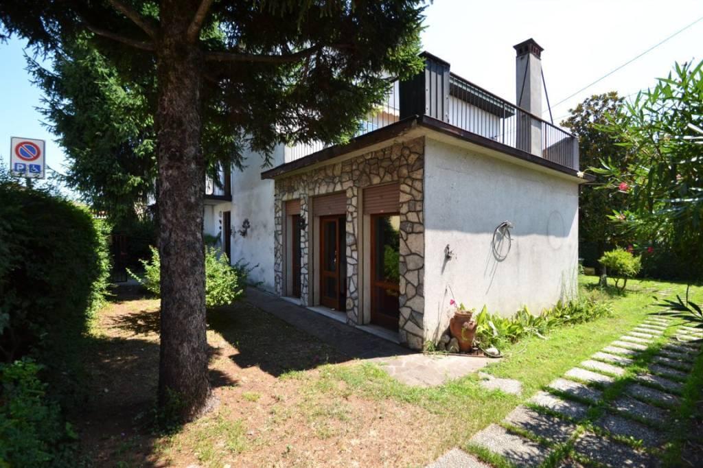 Villa quadrilocale in vendita a Montecchio Maggiore (VI)