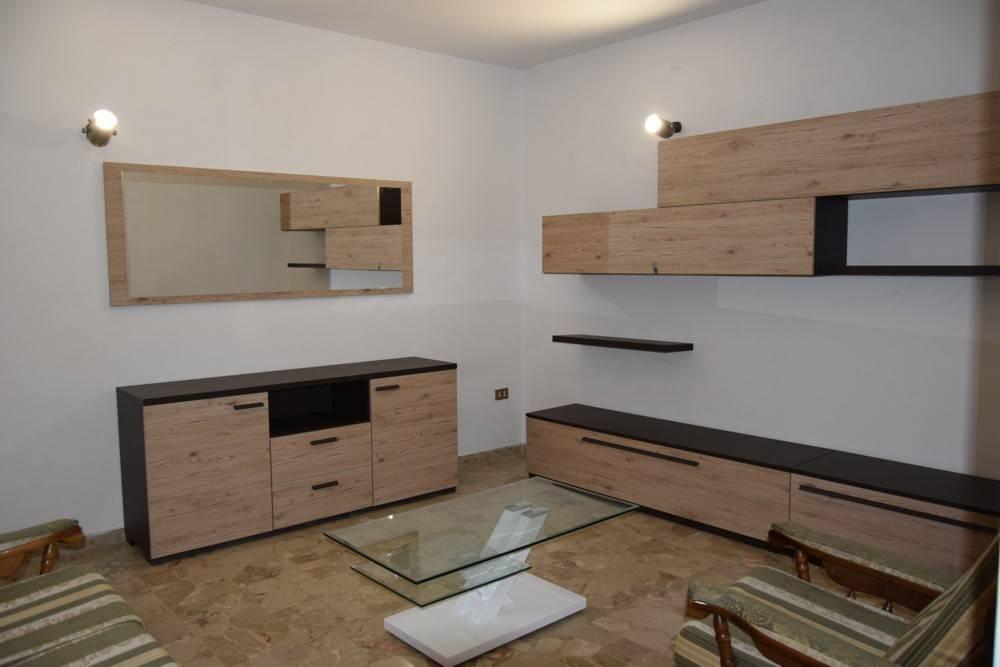 Casa indipendente 5 locali in affitto a Foligno (PG)