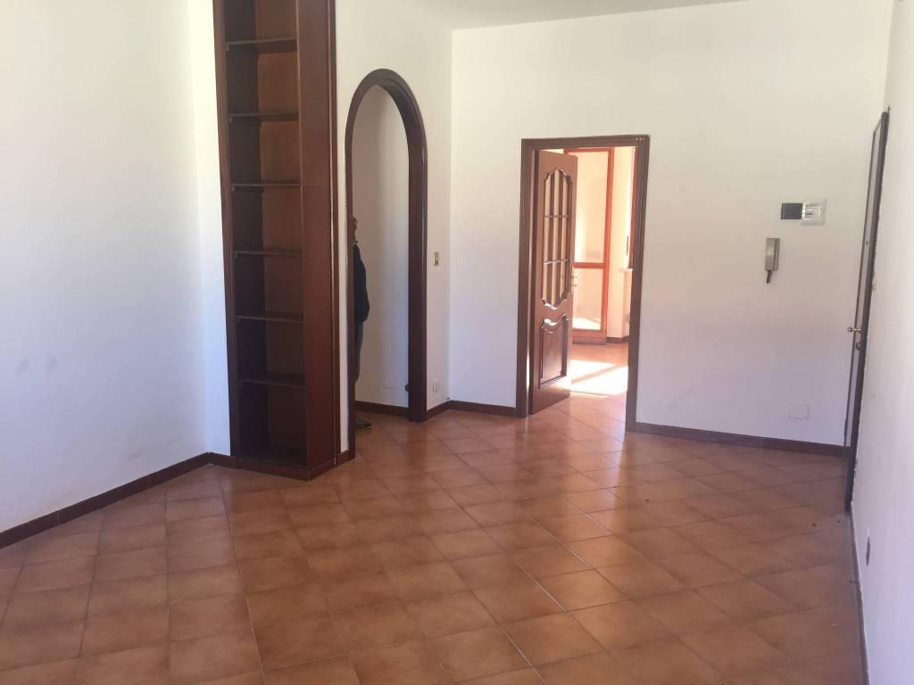 Appartamento in buone condizioni in vendita Rif. 8548361