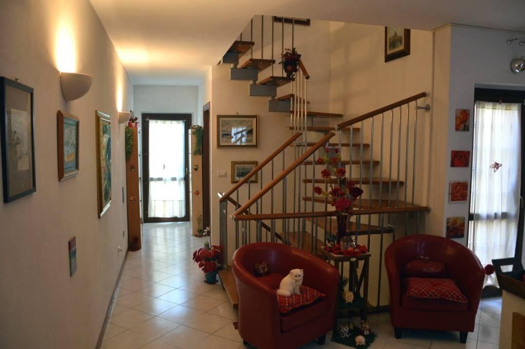 Casa Indipendente in ottime condizioni in vendita Rif. 8547409