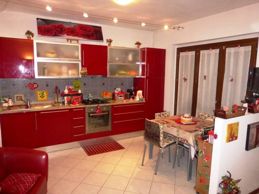 Casa Indipendente in ottime condizioni parzialmente arredato in vendita Rif. 8548025