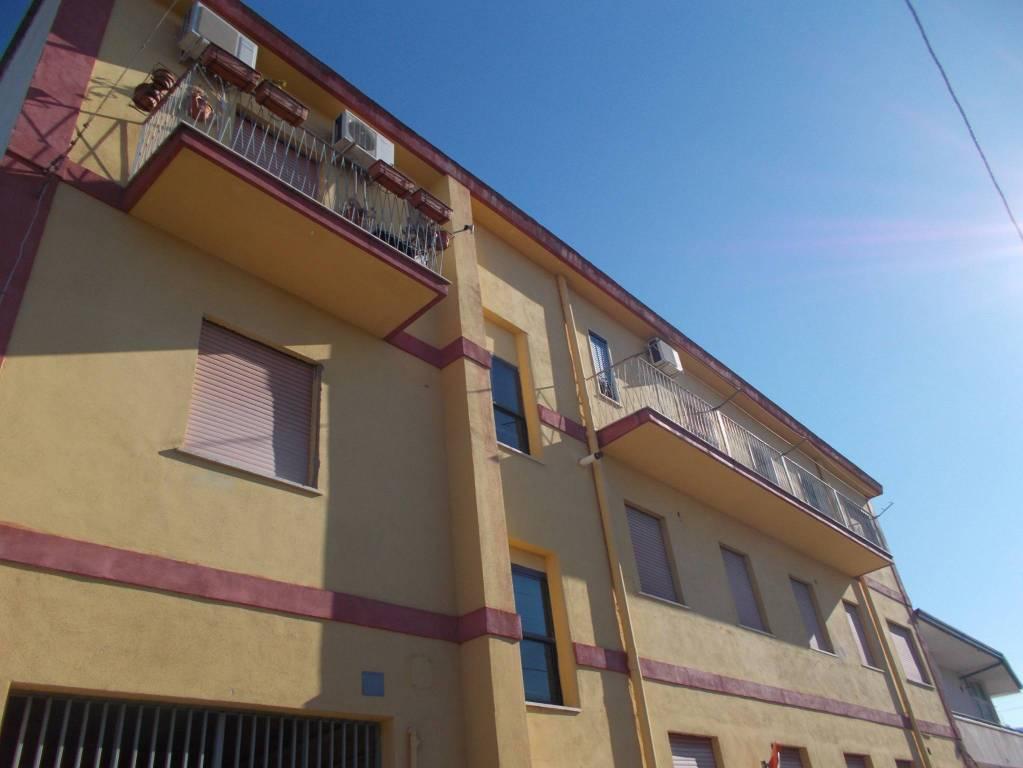Appartamento in ottime condizioni in vendita Rif. 8547247