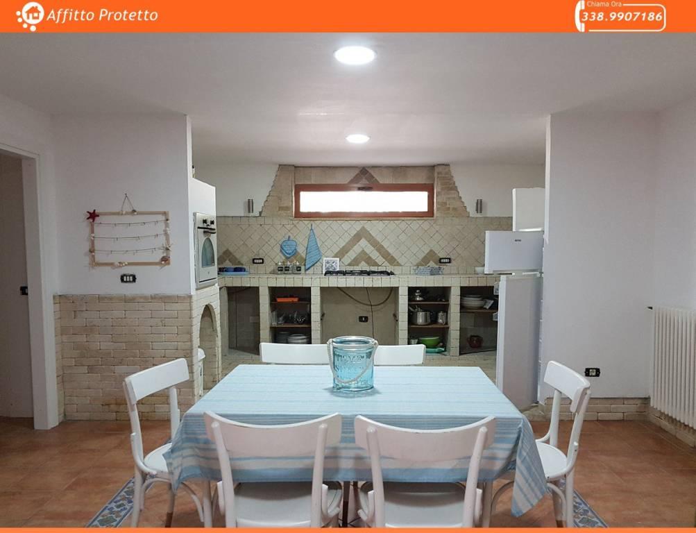 Appartamento in ottime condizioni arredato in affitto Rif. 8549278
