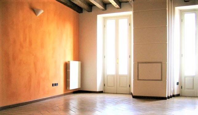 Appartamento in ottime condizioni parzialmente arredato in affitto Rif. 8565900