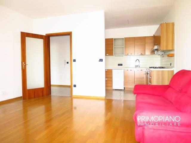 Appartamento in buone condizioni in vendita Rif. 8562712