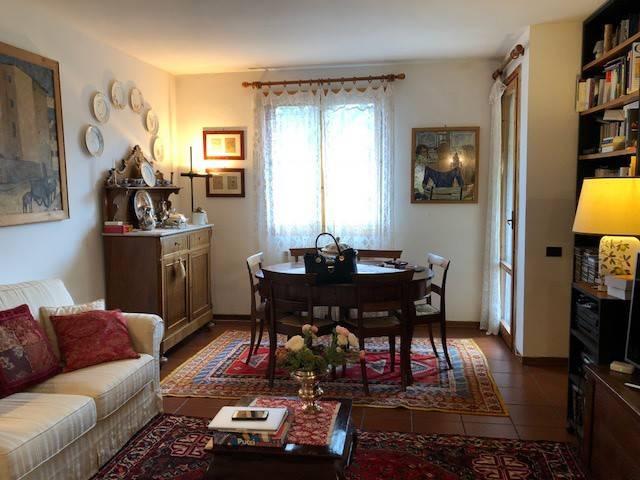 Appartamento in ottime condizioni in vendita Rif. 8562367