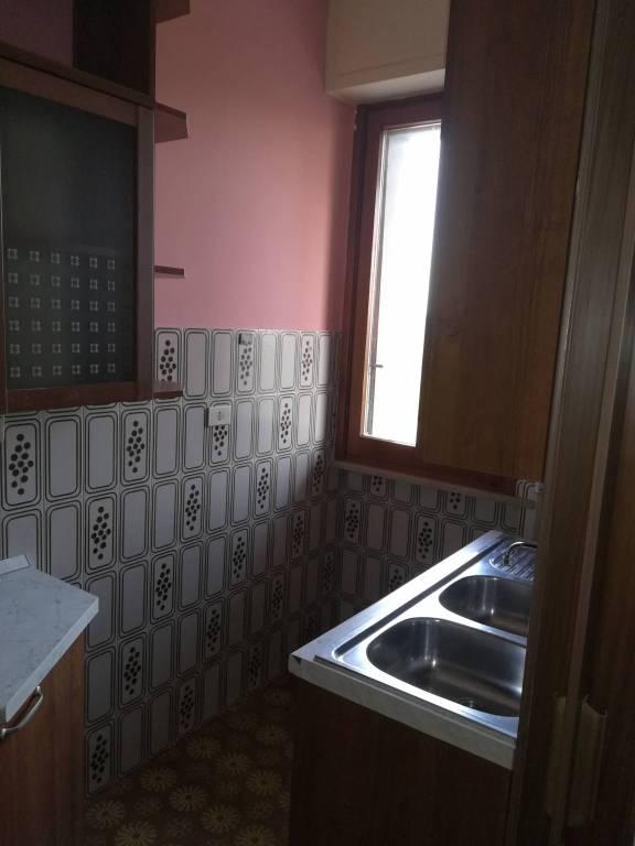 Appartamento in buone condizioni parzialmente arredato in affitto Rif. 8563703