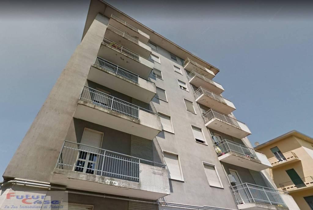 Appartamento in buone condizioni in vendita Rif. 8562820