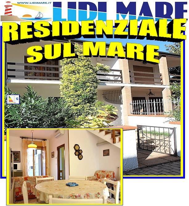 Appartamento in buone condizioni arredato in vendita Rif. 8490797