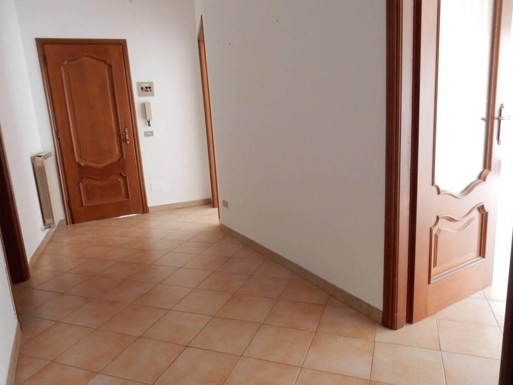 Appartamento in affitto a Carrù, 4 locali, prezzo € 350 | PortaleAgenzieImmobiliari.it
