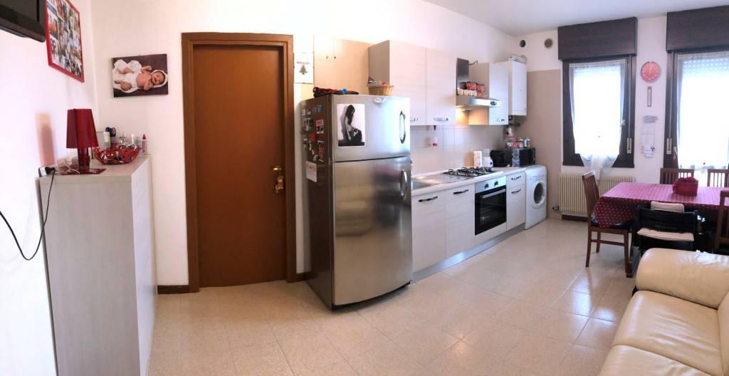 Appartamento in buone condizioni in vendita Rif. 8561583
