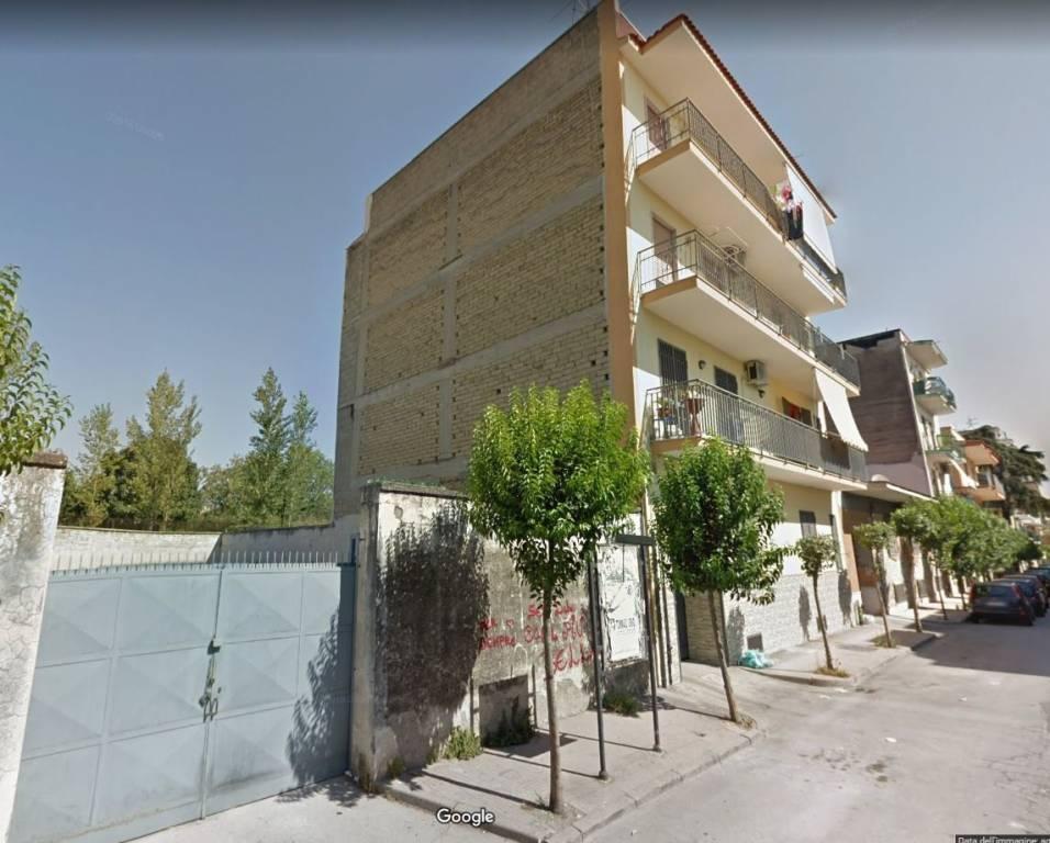 Appartamento in buone condizioni in vendita Rif. 8533627