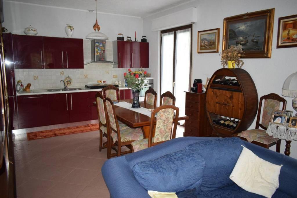 Appartamento in ottime condizioni arredato in vendita Rif. 8561445