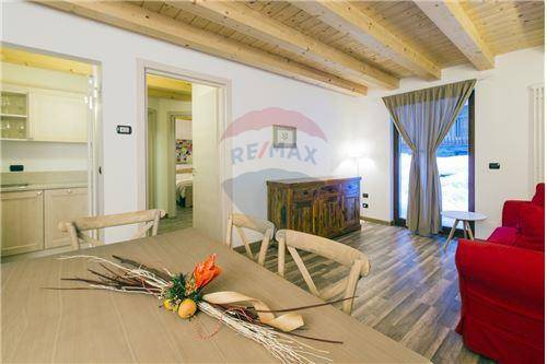 Appartamento arredato in vendita Rif. 8564791