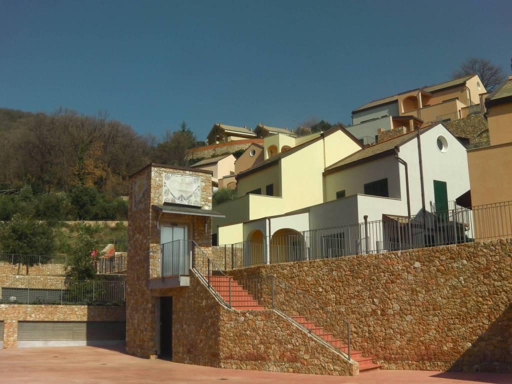 Albergo in vendita a Spotorno, 6 locali, Trattative riservate | CambioCasa.it