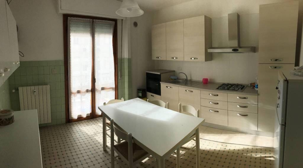 Appartamento in buone condizioni arredato in vendita Rif. 8560906