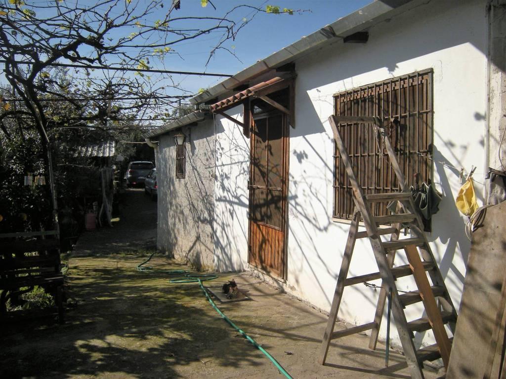 Rustico / Casale da ristrutturare parzialmente arredato in vendita