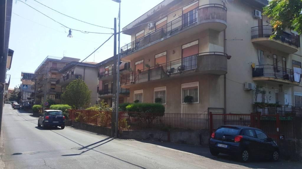Appartamento in buone condizioni in vendita Rif. 7438101